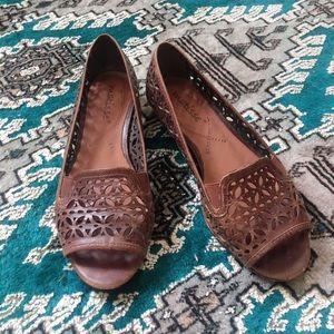 Leather lattice sandals